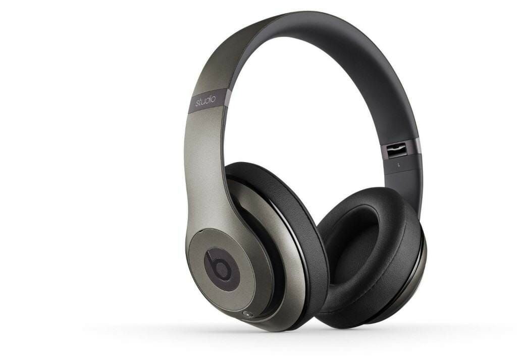 Beats vs. Bose wireless noise-cancelling headphones review