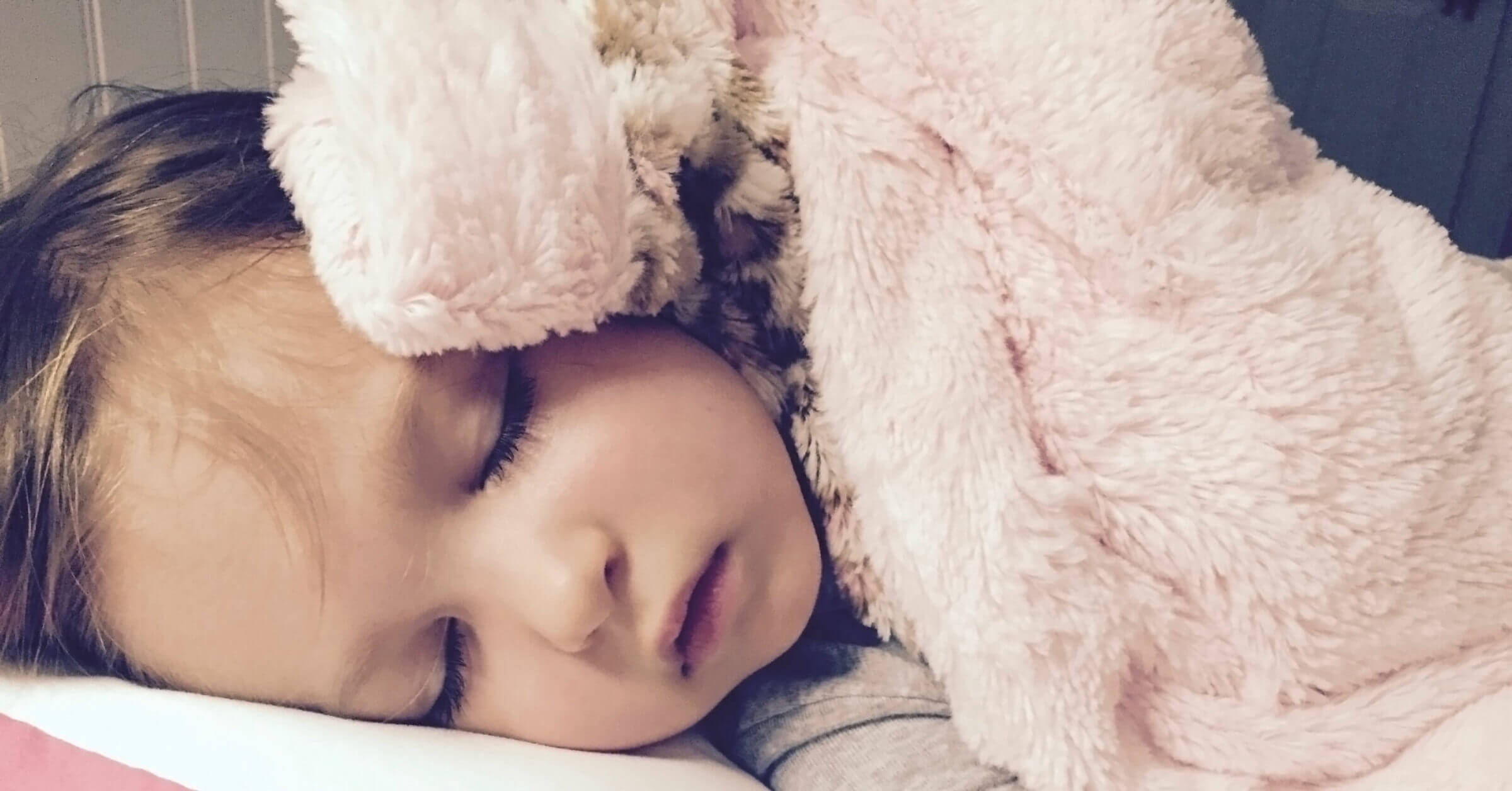 Bedtime tips when the toddler and baby share a room