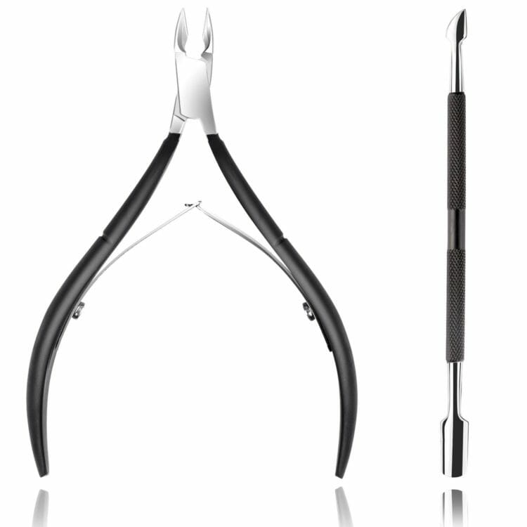 Cuticle trimmer to remove calluses and dead skin