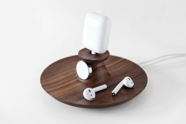 Yohann can charge an AirPods case