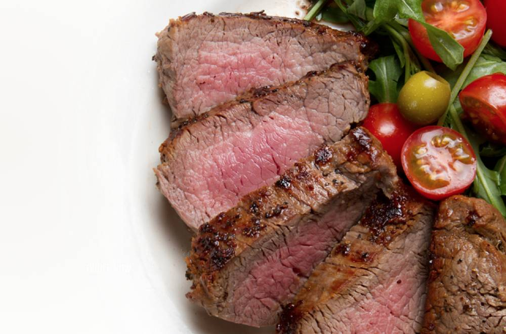 Carb30 food - lean protein in the form of red meat, with a side of vegetables.