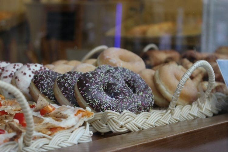 Many baked goods contain artificial sweeteners