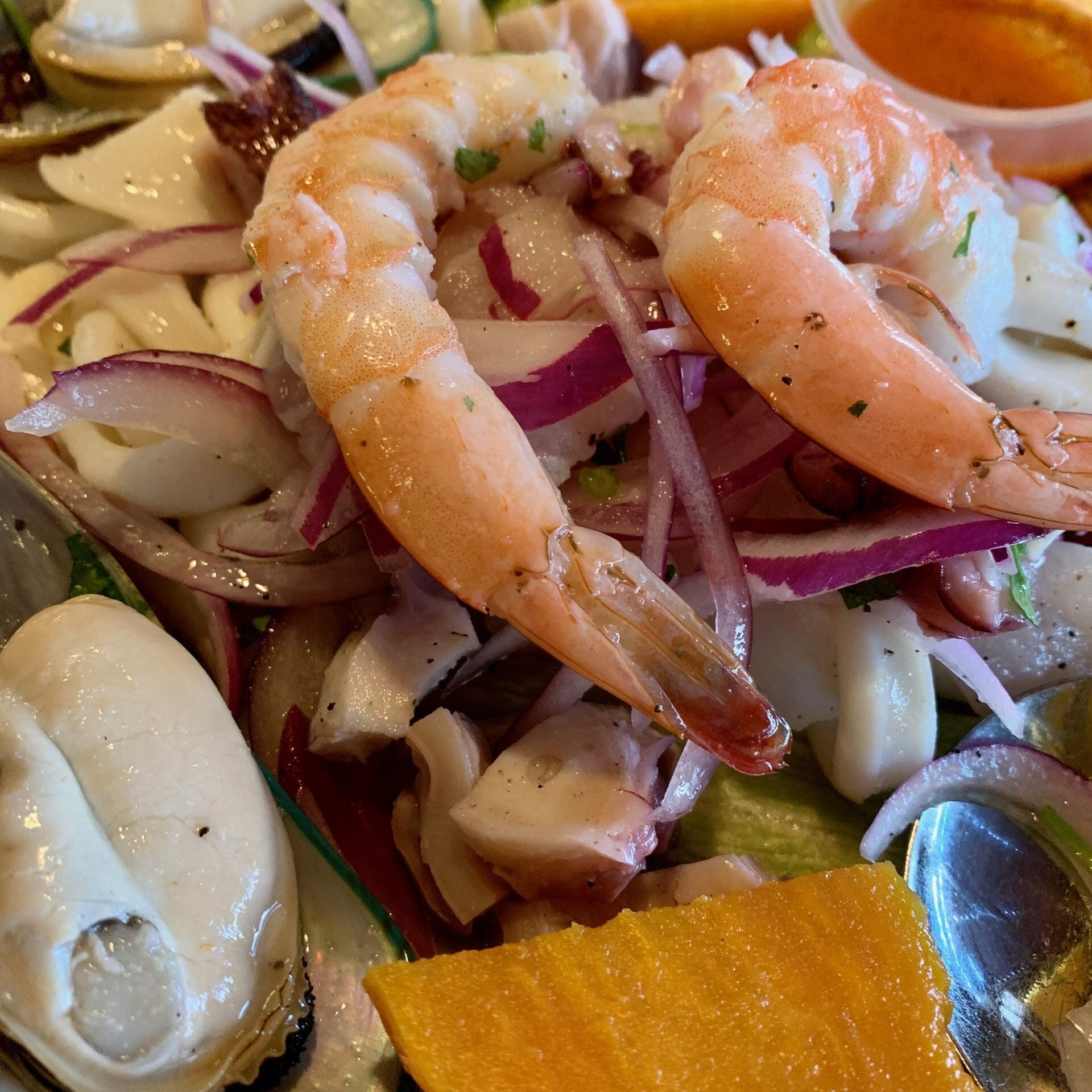 Mixed seafood platter (Mojito Cafe)