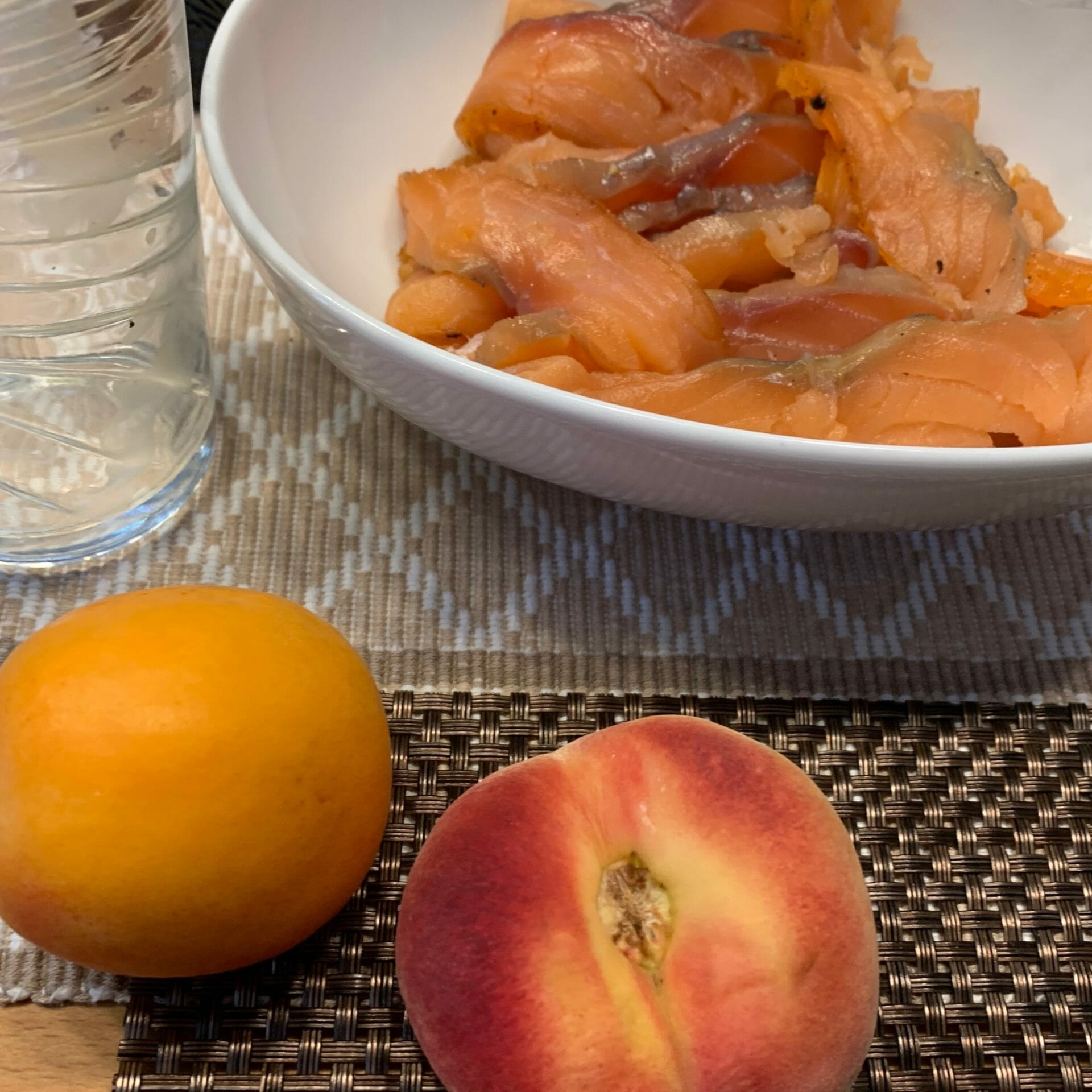 Smoked salmon, apricot and peach